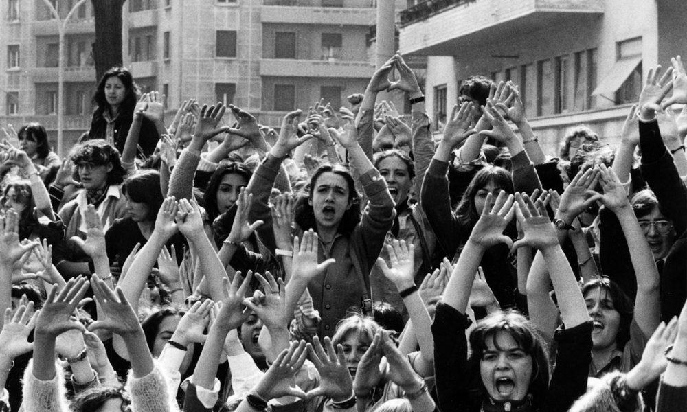 Donne che manifestano